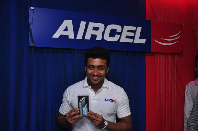 Suriya with his iPhone 4 on Aircel at midnight in Chennai
