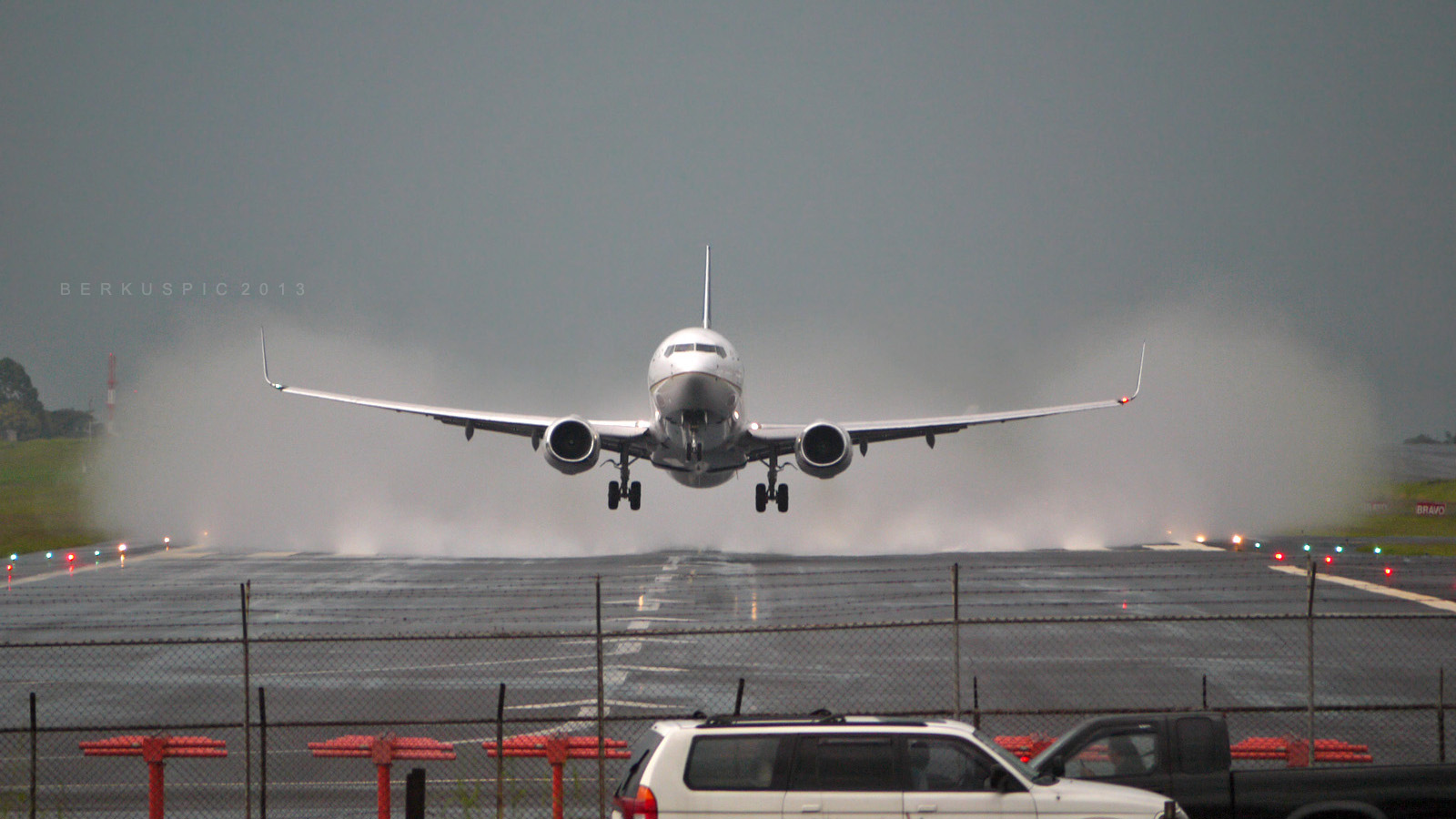 online travel plane