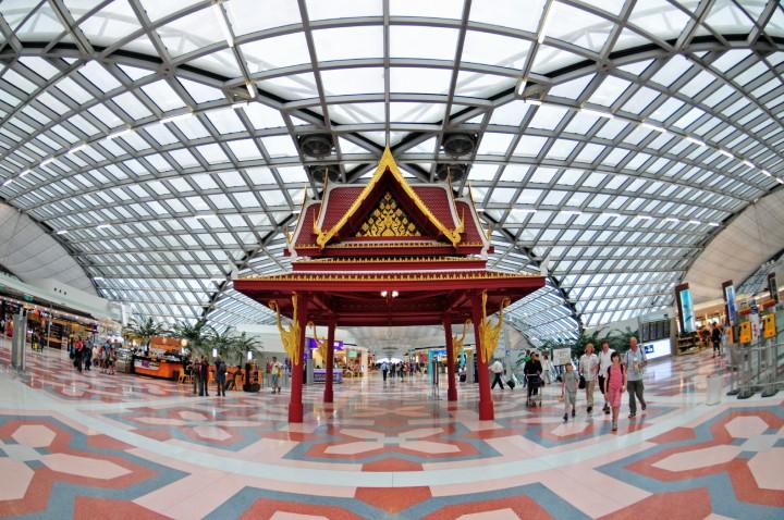 Suvarnabhumi_Airport,_Bangkok,_Thailand-1