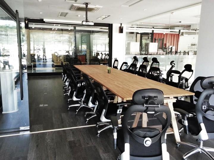 home-fix meeting room photo: Gabriel Kang