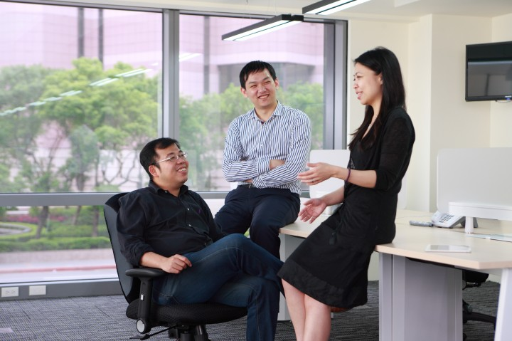 Appier CEO Chih-Han Yu, left, with CTO Joe Su and COO Winnie Lee