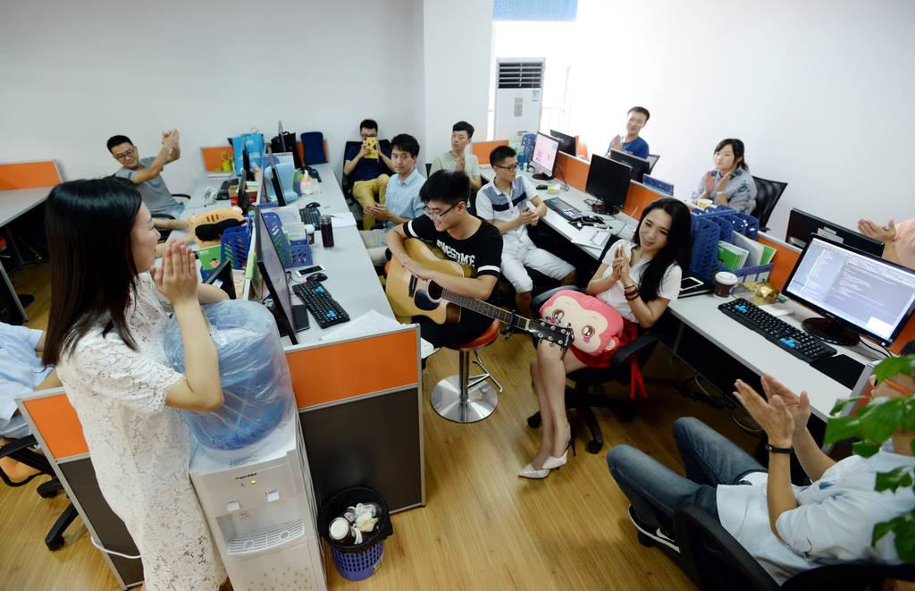 Chinese startup hires cheerleaders to motivate the brogrammers