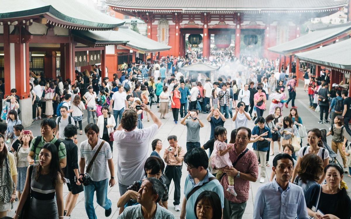 Japan tourists tourism sensoji temple tokyo