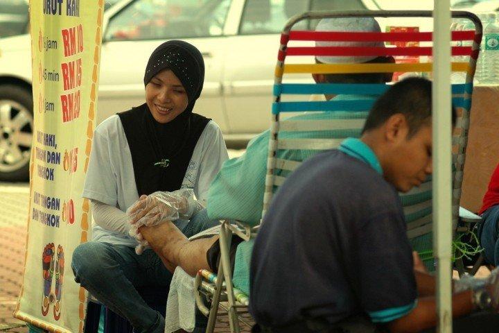 tukang-urut-foot-massage