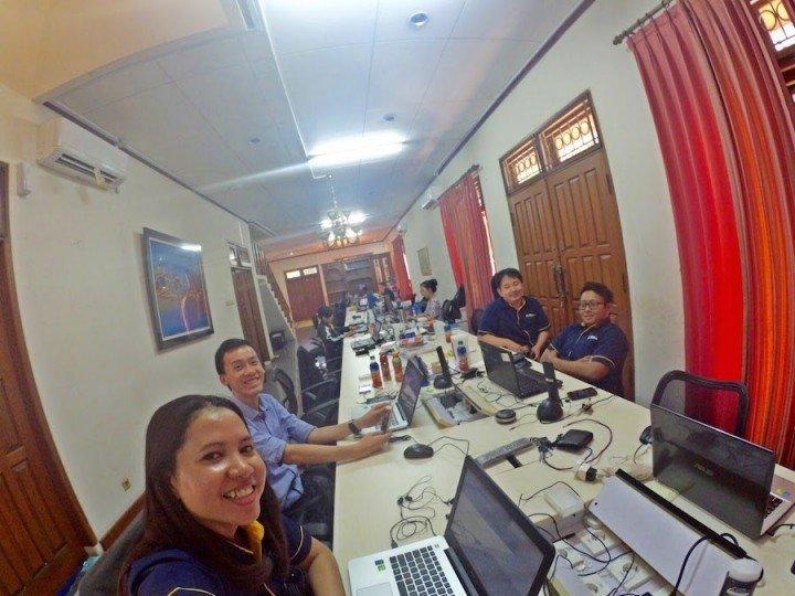 Inside-Tiket-indonesia-travel-site-office.jpg