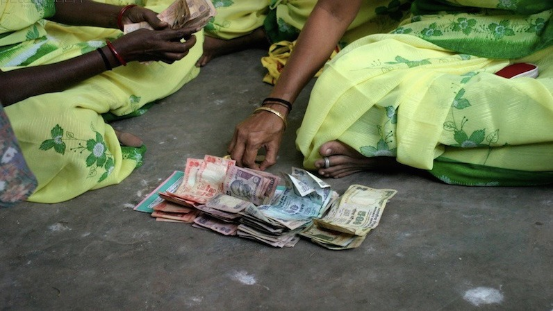 India makes an ambitious move toward a cashless society