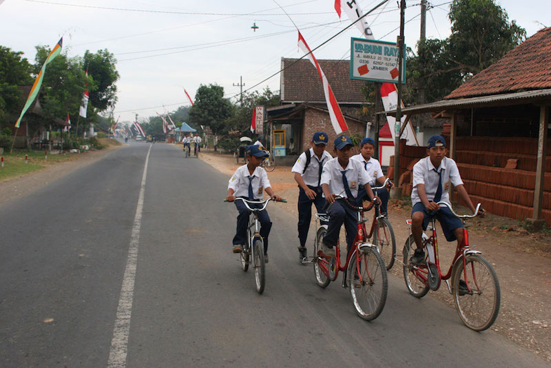 Students in Indonesia. Photo credit: Danumurthi Mahendra
